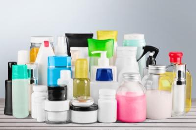 Kosmetische Produkte kennzeichnen